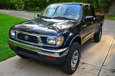 1995 Toyota Tacoma LX TOYOTA TACOMA V6 5 SPEED 4X4 1995.5 1996 EXTENDED CAB LX 1995 1996  FIRST YEAR