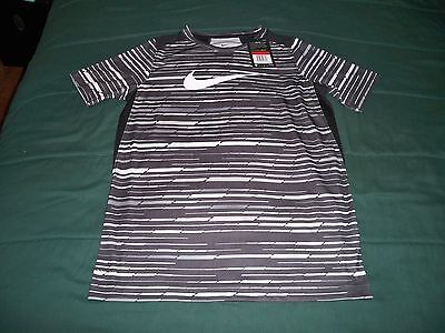 Nwt $35 Boys Large Nike Dri Fit Black Short Sleeve T Shirt