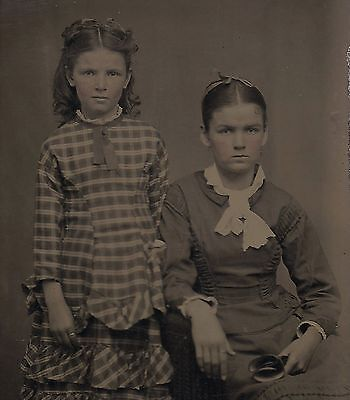 OLD VINTAGE ANTIQUE TINTYPE PHOTO of 2 BEAUTIFUL PRETTY YOUNG GIRLS GIRL SISTERS