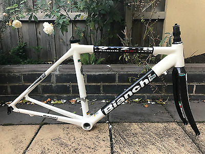 Bianchi 928 T cube carbon road frame. Size small. Made in Italy.