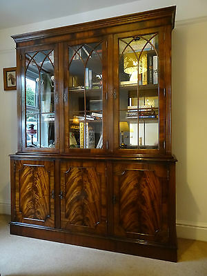 Superb Georgian Revival Astragal Glazed Flame Mahogany Bookcase Display Cabinet