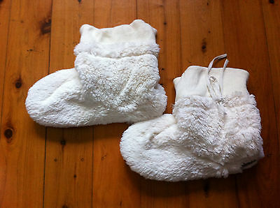 Grosby Hoodies For The Feet Off White Boots Size: L10-11 Gc