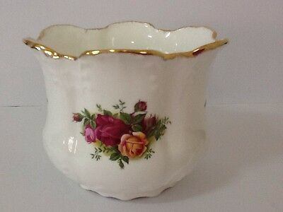 Royal Albert Old Country Roses Plant Holder - 1st Quality -Made In England