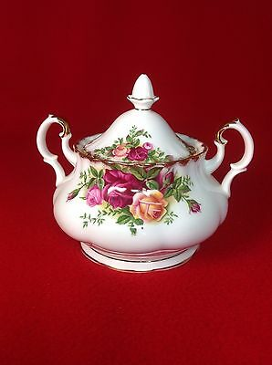 Royal Albert OLD COUNTRY ROSES : Lidded Sugar Bowl : 1st Qual - V.G. COND