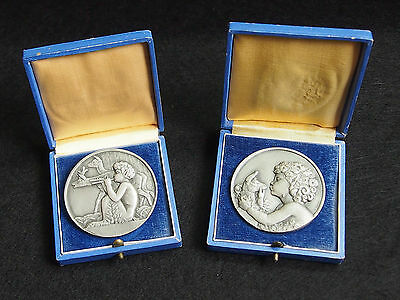 2 MEDALS MOUNTED IN BROOCH, ART DECO BY FR. THENOT WITH BOX 5cm / 1.96 INCHES