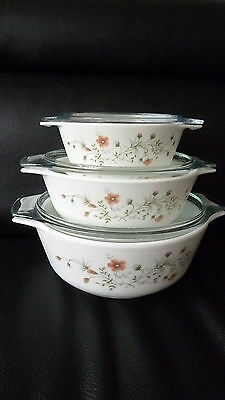 Vintage Set Of 3 Pyrex Stacking Bowls C/w Domed Clear Glass Lids..vg/exc Cond