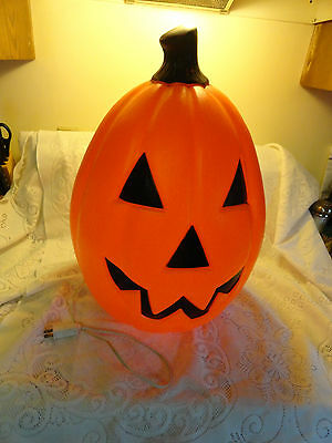 "22"" Pumpkin Blow Mold Light Up Used needs light or Fuse"