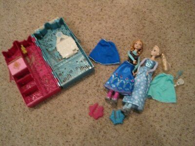 Anna Elsa skating doll lot clothes carrying case Frozen Barbie
