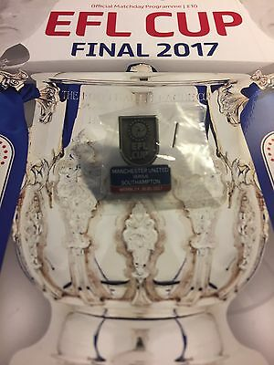 2017 EFL CUP FINAL Manchester United v Southampton Programme Team Sheet + Badge