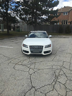 Audi: S5 2008 Audi s5 rare manual white on red. BRAND NEW CLUTCH