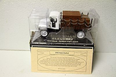 ERTL Diecast 1918 Mack Flatbed Stake Truck Cache Valley Electric Co.  1:32 scale