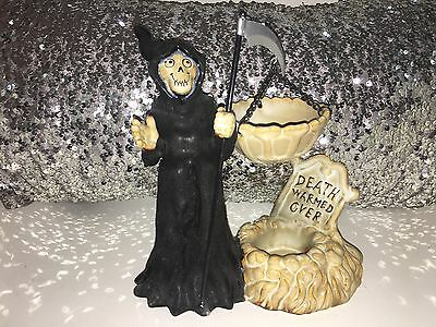 Yankee candle Boney Bunch GRIM REAPER DEATH WARMED OVER 2011 Tart Warmer. NEW