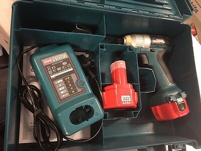 Makita Cordless Impact Driver W/ x2 Batteries, Case And Charger
