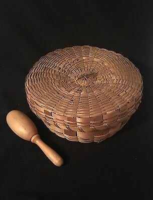 Vintage Wicker Reed Round Sewing Basket Tortilla Warmer Lid & Sock Darning Ball