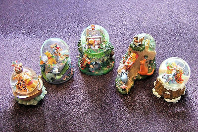 5 Beautiful & Charming The Disney Store Winnie The Pooh Snow Globes.