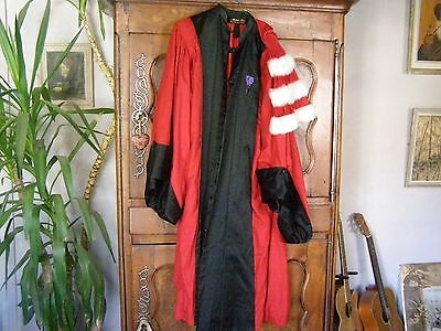 robe de professeur d'universite
