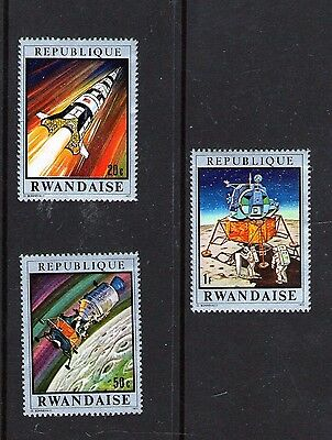 3 stamps of Rwanda with space topics