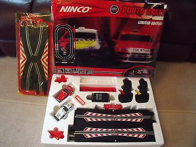 PUNTO RALLY LIMITED EDITION RACING SCALECTRIC 2xcars