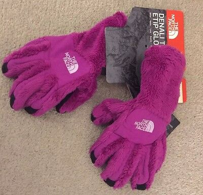 BNWT North face pink gloves  Girls size M   .