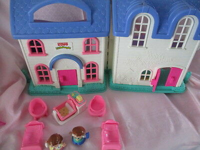 Vintage fisher price little people house - with figures/furniture - 1999 -