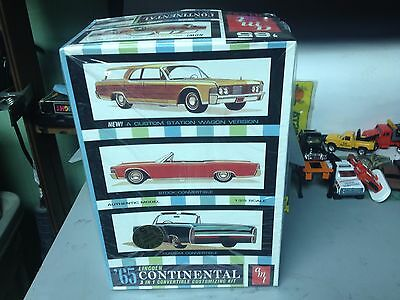 1/25 AMT 1965 Lincoln Continental 3 in 1 Model Kit     SEALED INSIDE