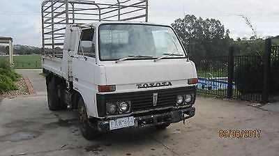 Toyota Dyna Tip Truck