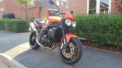 TRIUMPH SPEED TRIPLE 1050 ORANGE Motorcycle commuter naked