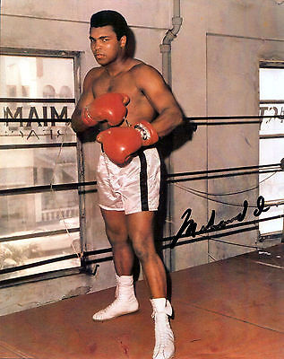 Muhammad Ali Autograph Signed Photo Preprint Glossy Portrait Sport Boxing