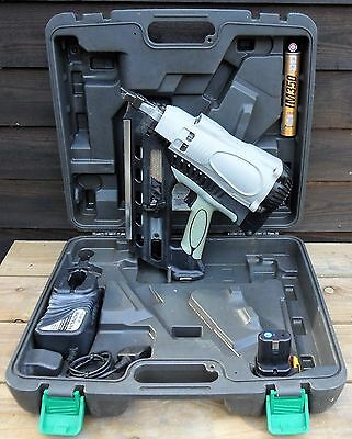 Hitachi first fix nail gun just fully striped cleaned & serviced & paslode gas