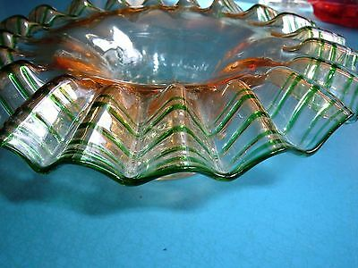 VINTAGE GLASS DISH. Circa 1940. UNUSUAL.