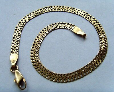 9ct Gold Fancy Link Bracelet - A lovely Design Well Worth A Look - 8 Inch Length