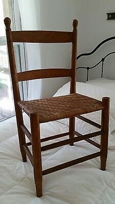 Antique~Solid Wood~Vintage~Childs Chair