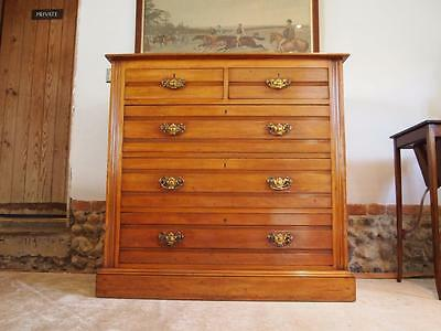 Chest of drawers Arts and Crafts Walnut c1900