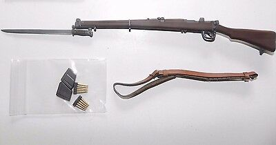 1/6 SCALE, dragon, WW2  BRITISH LEE ENFIELD RIFLE WITH BAYONET AND MAGS