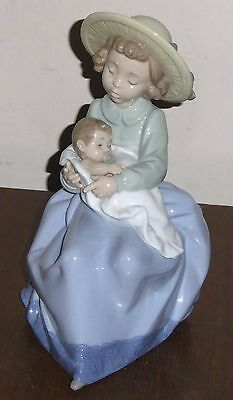 "Nao by Lladro ""A Sister's Love"" 2000 retired figure, superb"
