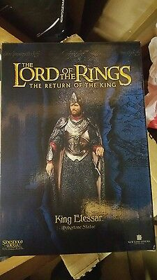 lord of the rings king elessar sideshow weta statue