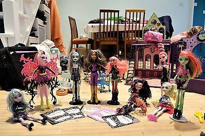 Monster High Bundle, Disco Playest + 9 Dolls + Accessories