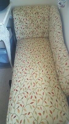 Chaise longue cream patterned