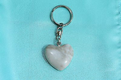 Portachiavi a forma di cuore in marmo , marble  key ring gift any occasion