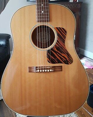Gibson j-35 electro acoustic guitar with hard case