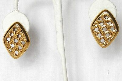Lovely Vintage Earrings For Pierced Ears Beautifully Designed Yellow Gold Tone