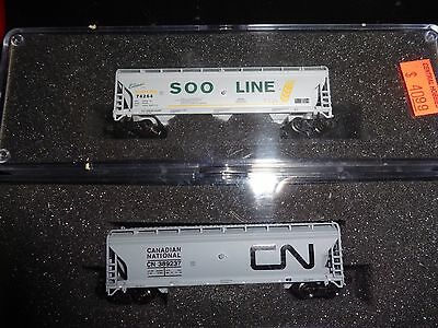 Z scale, 2 pcs - 3 bay hoppers, Soo Line and Canadian National