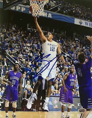 Karl Anthony Towns Kentucky Wildcats Hand signed 8x10 photo COA