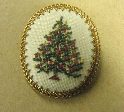 Vintage Cameo Style Christmas Pin/ Brooch With Stitchery Christmas Tree