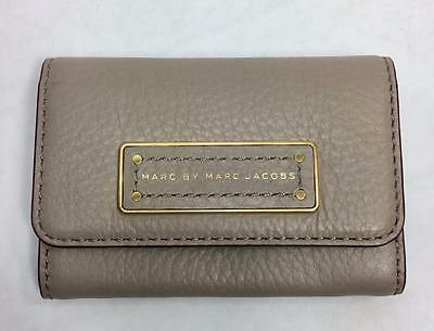 Marc by Marc Too Hot To Handle Business Card Case Credit Small Wallet Cement