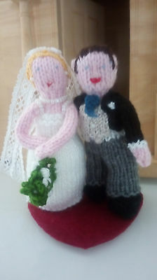 Knitted Bride and Groom. Cake/Cheese stack topper, table decoration or gift.