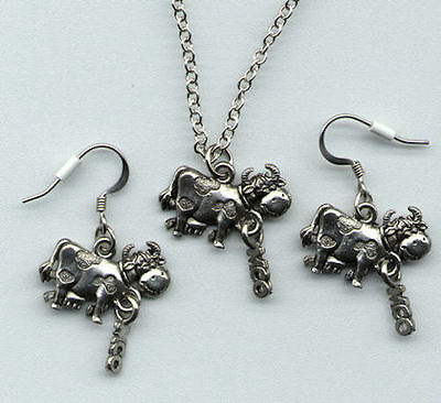 Silver Pewter COW Necklace & Earrings  NEW  Never Worn MOO dangle VERY CUTE!!!!