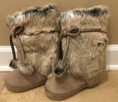 NEW Pottery Barn Teen SMALL Pom-Pom Tie Faux Fur Booties WOLF