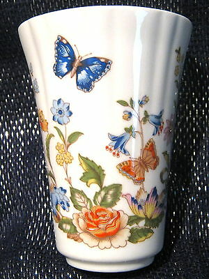 Gorgeous Aynsley Cottage Garden vase approx 3 3/4 ins tall.  Lovely item :)