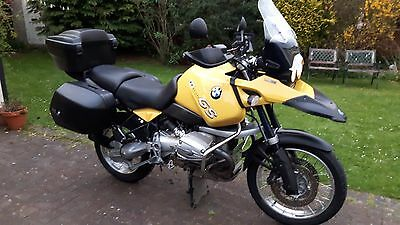 BMW R1150GS with luggage '53' plate